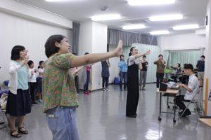 歌踊り(踊ってる)